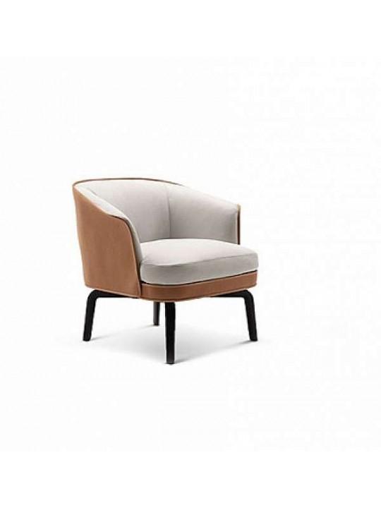 Кресло POLTRONA FRAU La Collezione 5576111