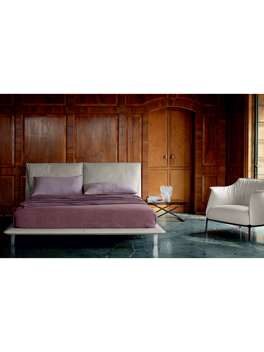 Кровать POLTRONA FRAU La Notte 5553272